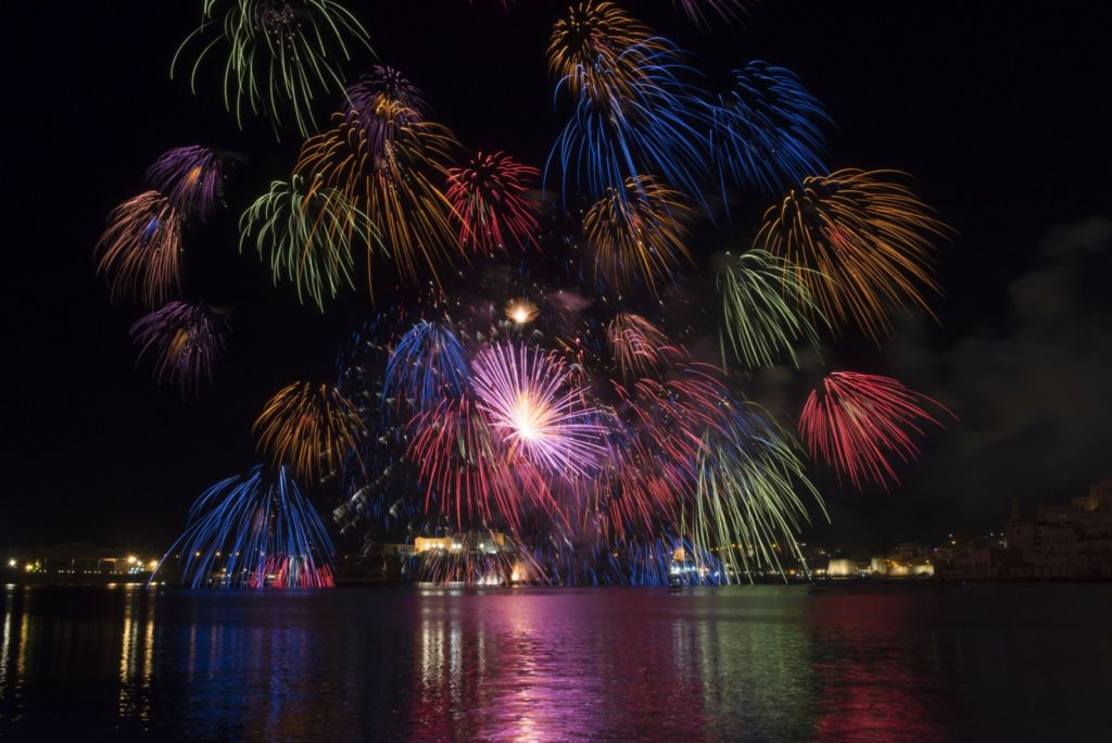 malta_international_fireworks_festival_2015__grand_harbour_34-viewingmalta-com