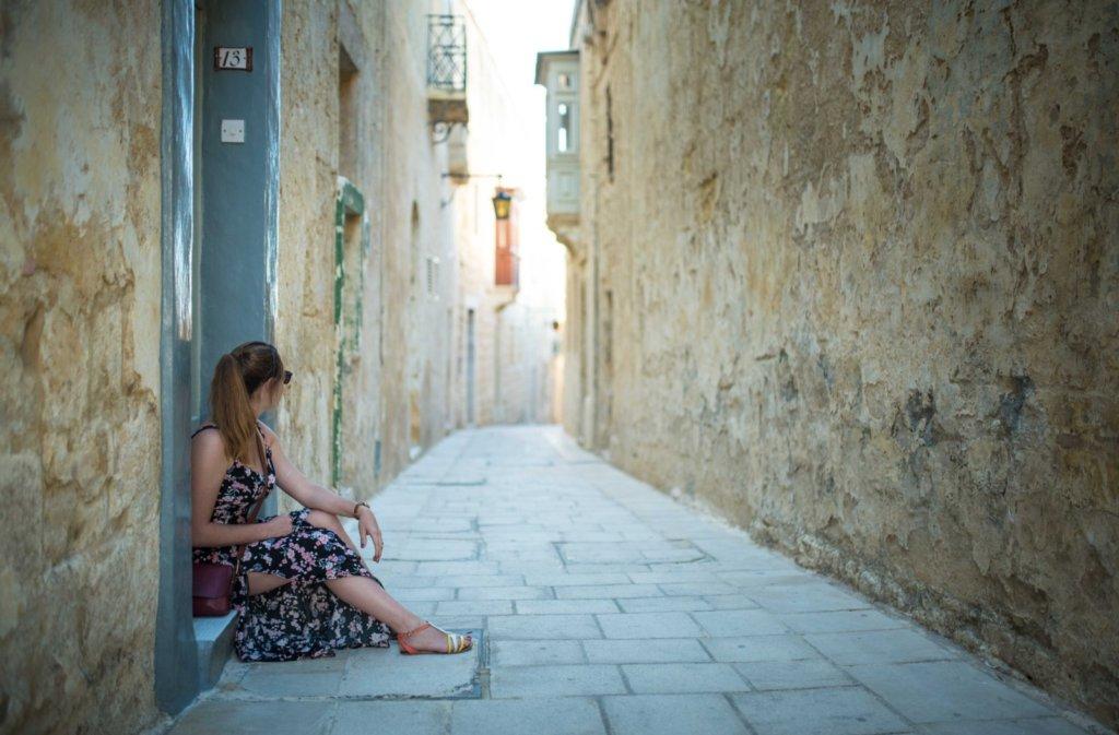 Pause dans les rues de Mdina