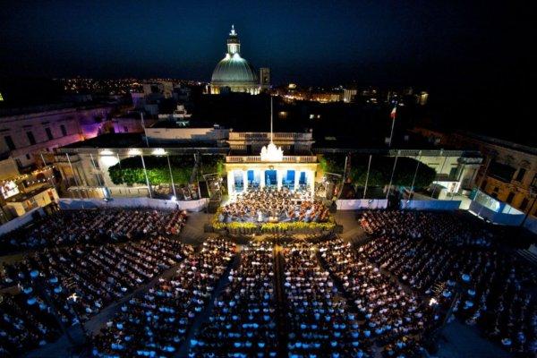Joseph Calleja : 20 ans de carrière célébrés à Malte avec Andrea Bocelli