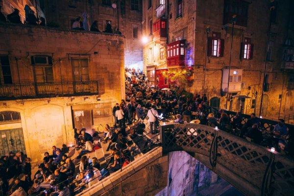 Profiter de l'ambiance des nuits maltaises